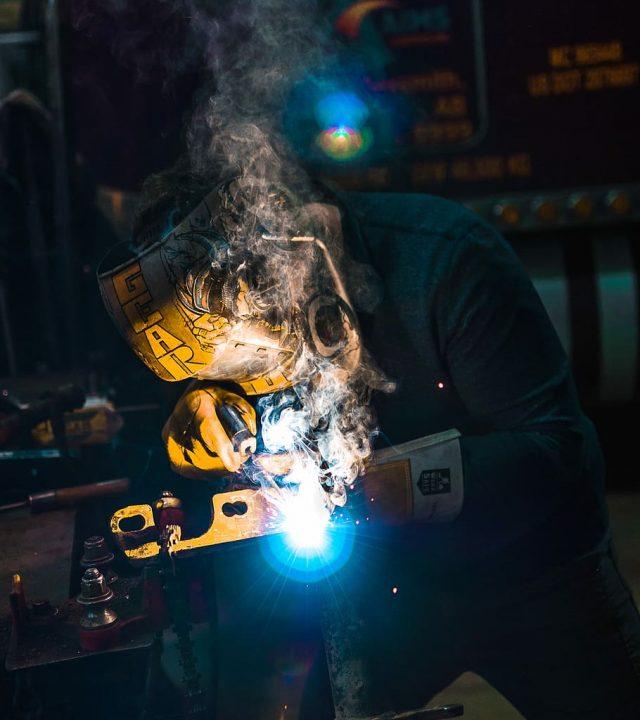 weld-welder-person-working
